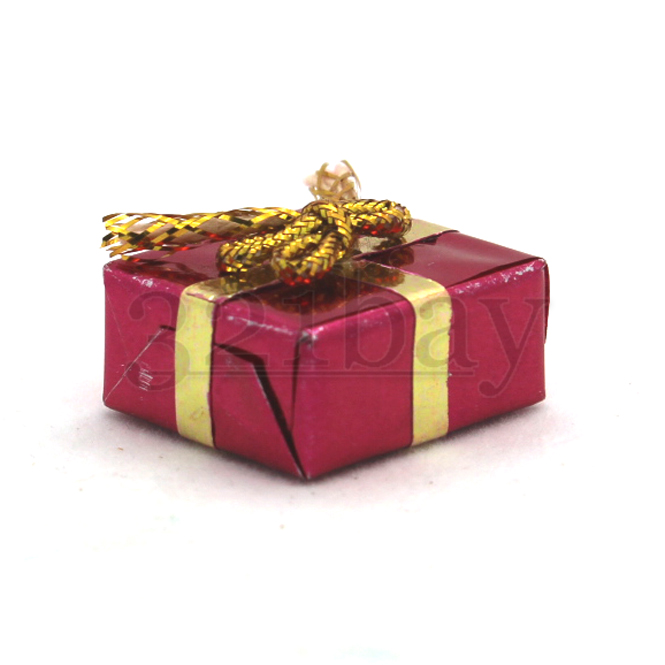 Dollhouse gift present wrapped miniature christmas